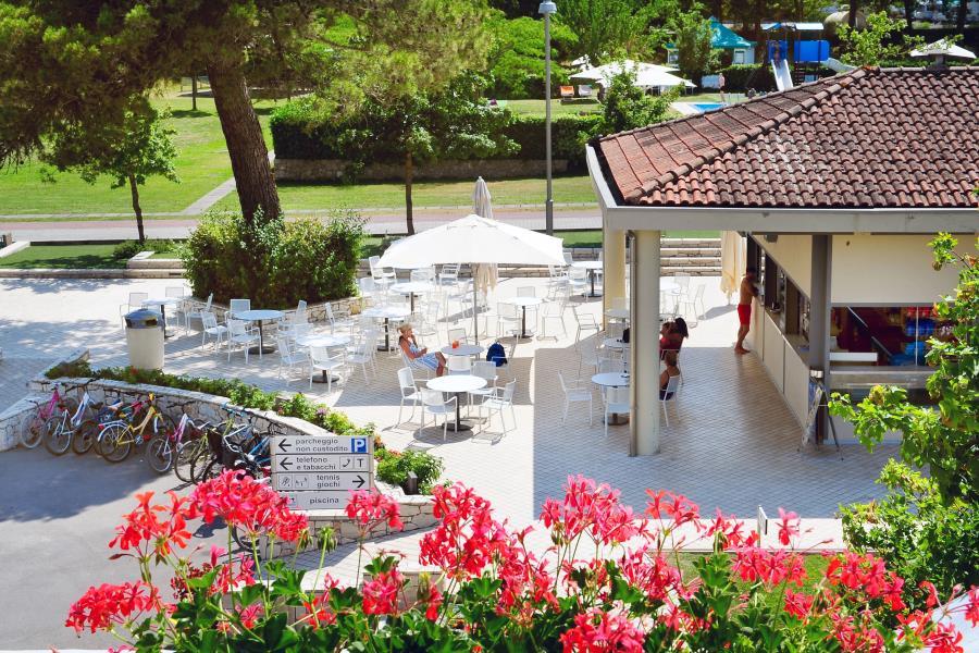 Campsite village parco delle piscine italy for Camping parco delle piscine sarteano