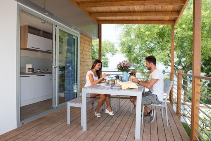 Camping e bungalow piani di clodia veneto for Piani di appartamento garage bungalow